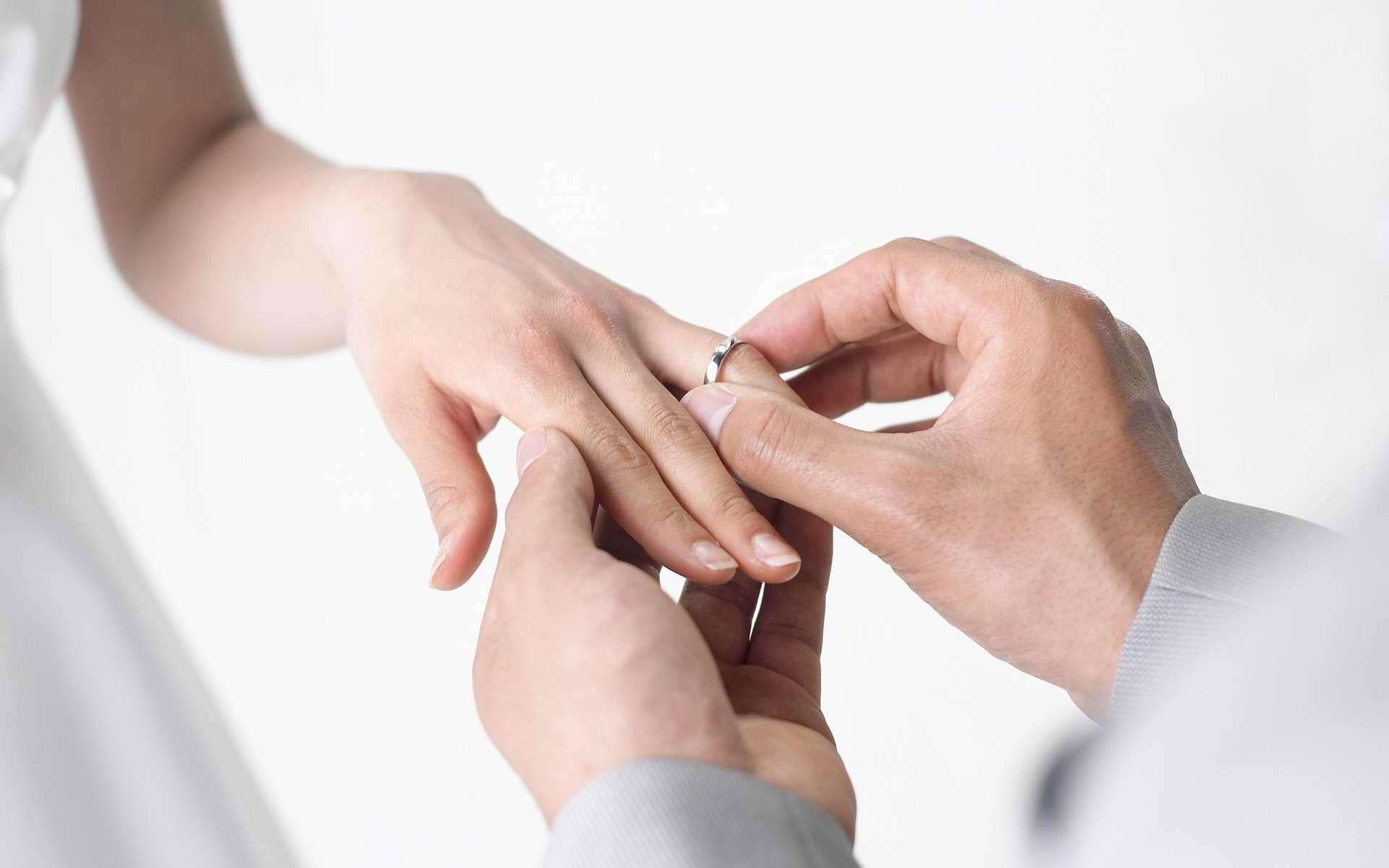 Gyűrűs pillanatok az esküvőn